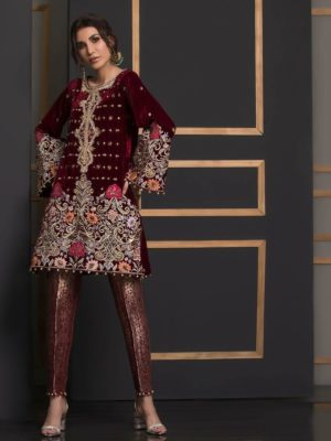 Anus abrar Luxury Embroidered Winter Velvet 2pcAnus abrar Luxury Embroidered Winter Velvet 2pc Collection Replica Collection Replica